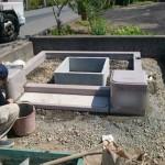 三次市の共同墓地にて、門柱巻石、お墓の基礎工事です!!