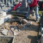 三次市四拾貫町の寺院墓地にて、墓地の巻石工事とお墓の基礎工事(納骨室)をしました!!
