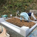 三次市三良坂町にて、門柱・巻石工事とお墓の基礎工事をしました!!