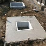 三次市の共同墓地にて、お墓、灯篭の基礎工事をしました!!