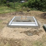 安芸高田市高宮町にて、巻石工事と洋墓の基礎工事をしました!!