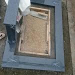 三次市の共同墓地にて、洋型墓石の納骨室を据付けました!!