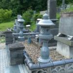 三次市の共同墓地にて、丸灯篭を据付けました!!