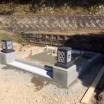 三次市三良坂町にて、門柱巻石と置灯篭据付けと洋型墓石の基礎工事をしました!!