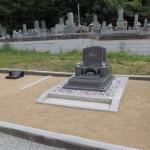 三次市南畑敷町の共同墓地にて、お墓(洋型墓石)を据え付けました!!