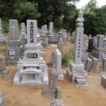三次市作木町の共同墓地にて、お墓(和型墓石)の据え付けをしました!!