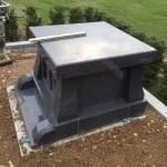三次市上川立町にて、お墓の移設と納骨堂を据え付けました!!