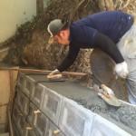 福山市神辺町にて、護岸ブロック積みと天場を仕上げました!!