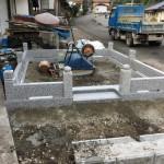 庄原市口和町にて、巻石とお墓の基礎工事をしました!!