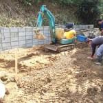 世羅郡世羅町にて、巻石とお墓の基礎工事(納骨室)をしました!!
