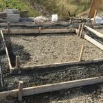 三次市和知町にて、墓地の石積みの基礎工事をしました!!