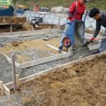 三次市西酒屋町にて、墓地の石積みの基礎工事をしました!!