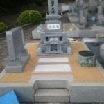 福山市蔵王町にて、和型墓石を据え付けました!!